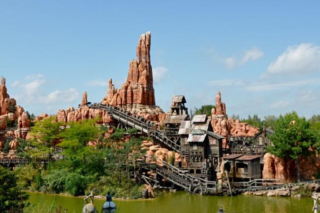 Big_Thunder_Mountain_Disneyland_Park_Paris-1024x456.jpg