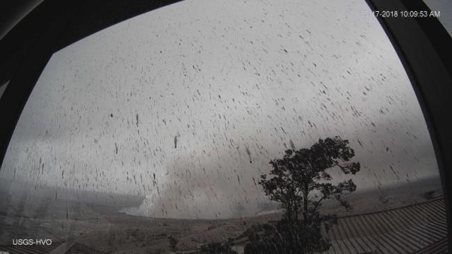 Kilauea-Explosion-Webcam-e1526919879483.jpg