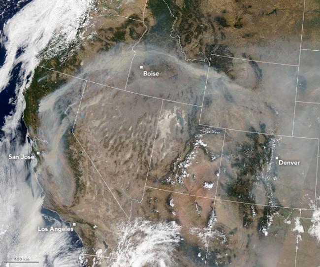 Smoke Spreads Across the U.S. West