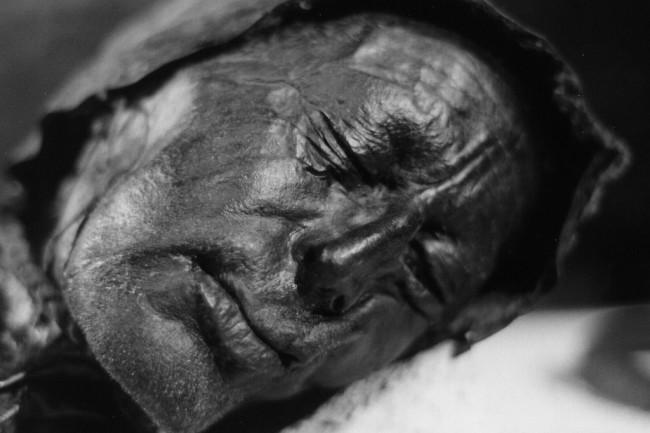 1024px-Tollundmannen Bog Bodies Peat Mummies - Wikimedia Commons Public Domain