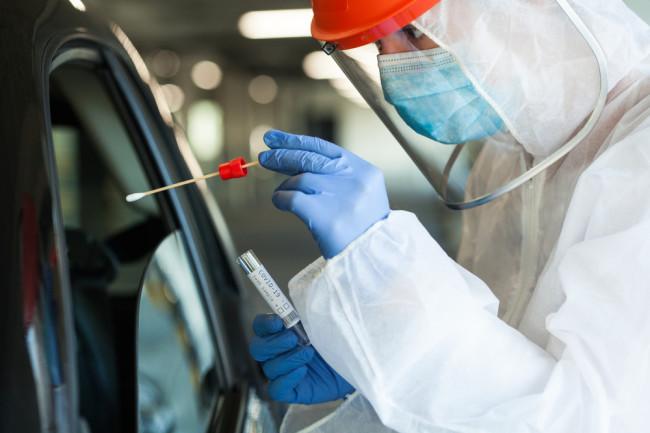 medical worker covid-19 testing coronavirus