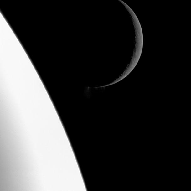 cassini_enceladus_nov093.jpg