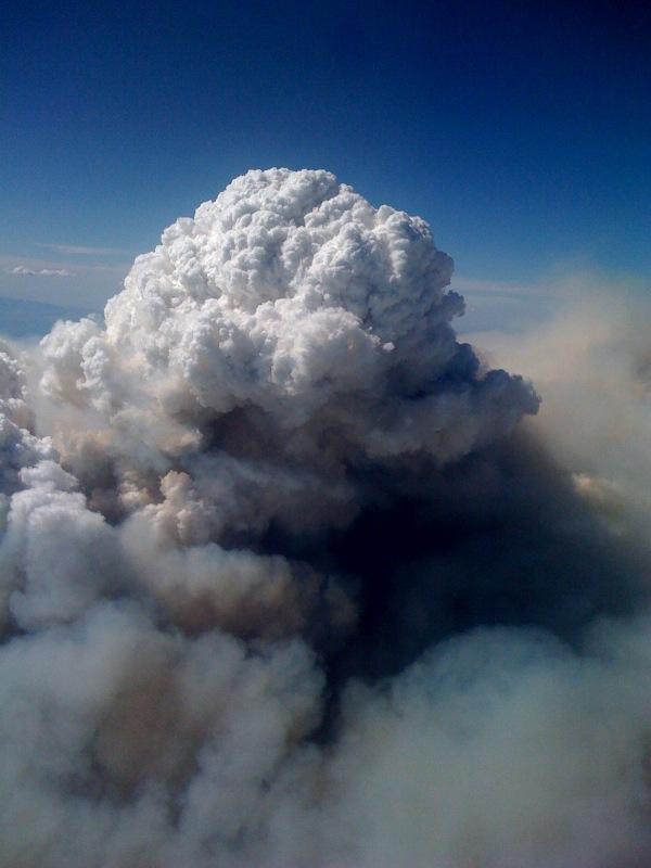 Pyrocumulus_Cloud_Station_Fire_08312009_Aerial_View.jpg