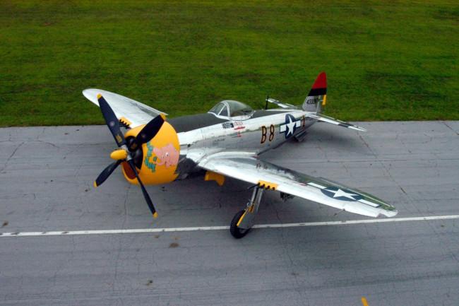 P47-thunderbolt-runway-1024x681.jpg