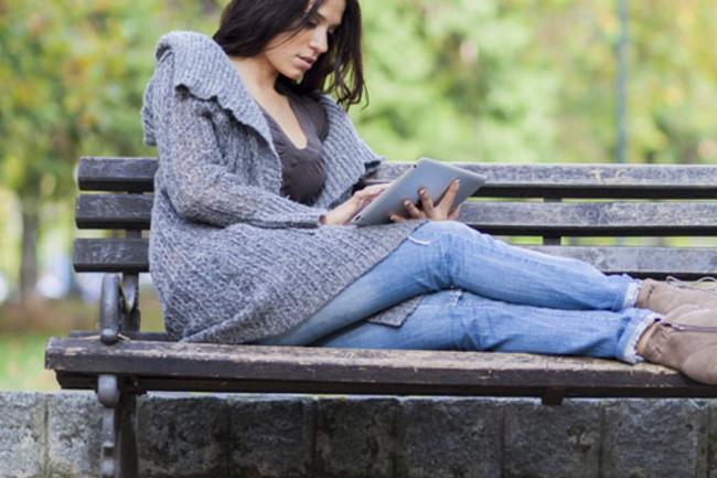 tablet-girl-2.jpg