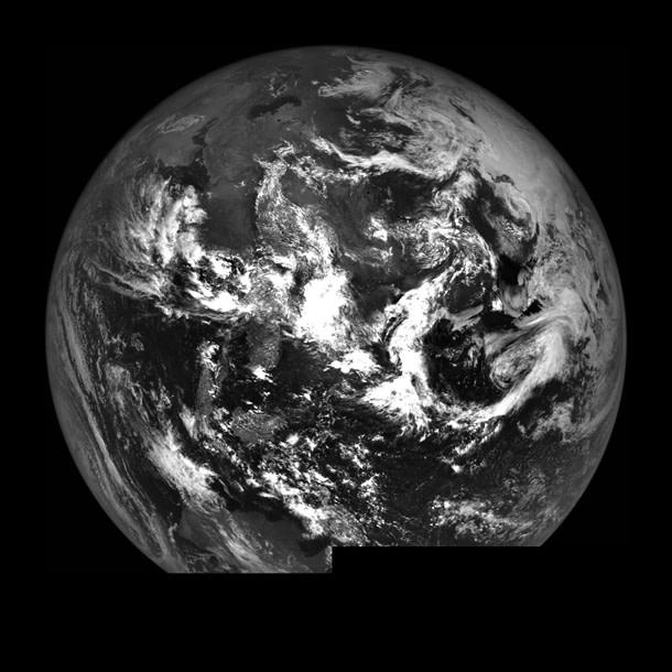 LRO_earth.jpg
