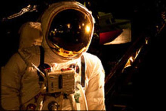 astronautweb.jpg