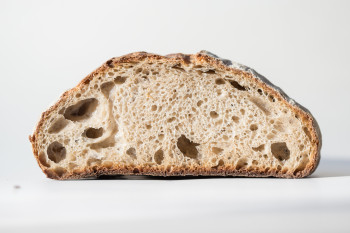 What's the Difference Between Sourdough Starter and Yeast?