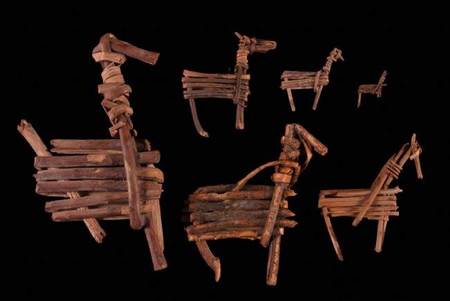 Split Twig Figurines - SW Virtual Museum