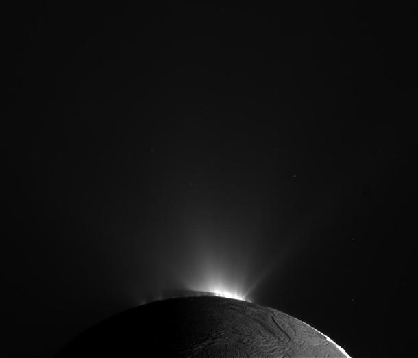 cassini_enceladus_curtain.jpg