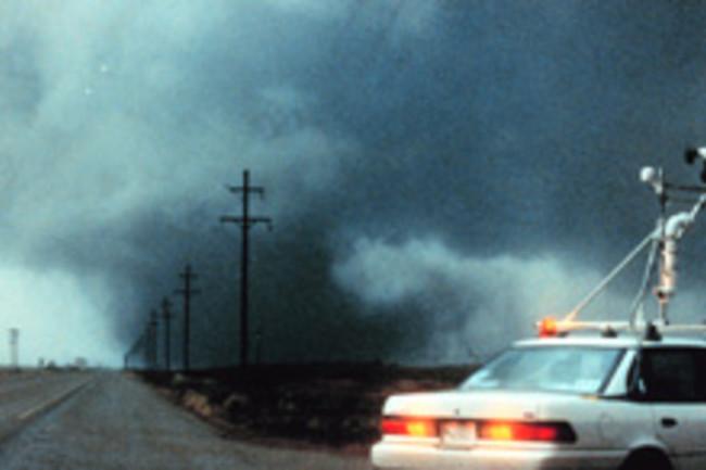 tornado-chasing.jpg