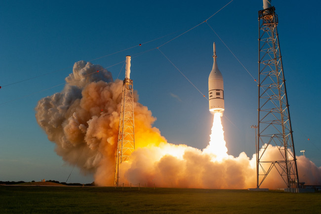 Orion Capsule - NASA, Tony Gray and Kevin O'Connell