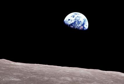 earthrise-2.jpg