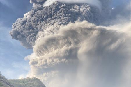 More and Larger Explosions Rock St. Vincent as La Soufrière Lets Loose Pyroclastic Flows