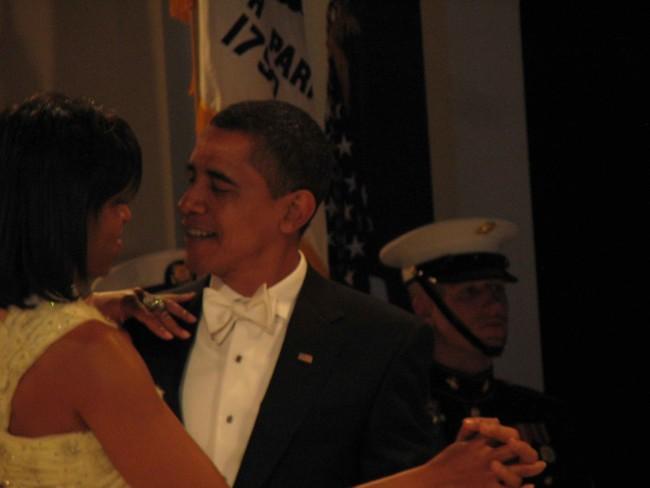 obamas_dance.jpg