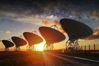 How Many Extraterrestrial Civilizations Can Communicate In Our Galaxy Right Now? (Spoiler: It's More Than One)