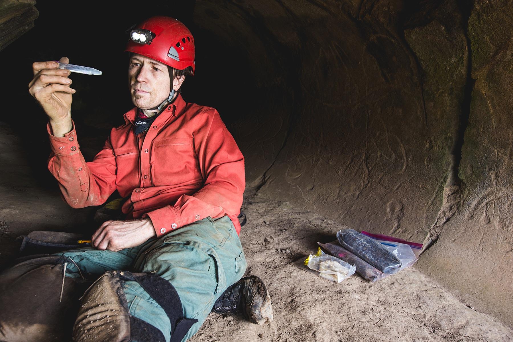 Jut Wynne cave - Nicholas Glover