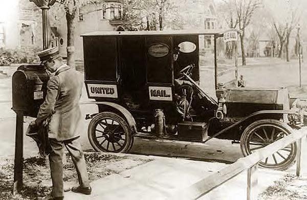 Mailman+&+truck,+1909.JPG