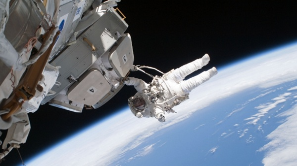 How Astronauts Deal With Emergencies