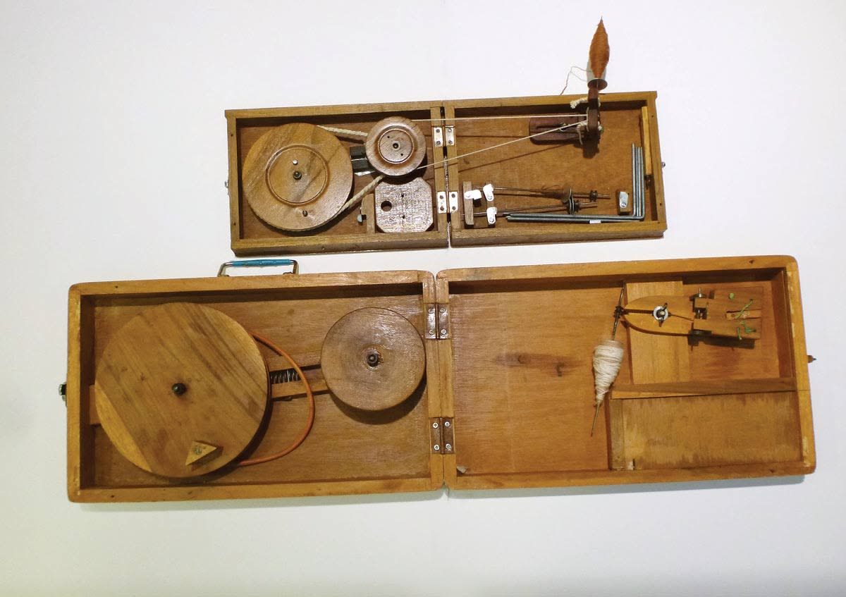 first-steps-in-charkha-spinning-4