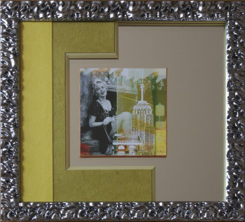 Cadrine : Framing on mirror of Marilyn