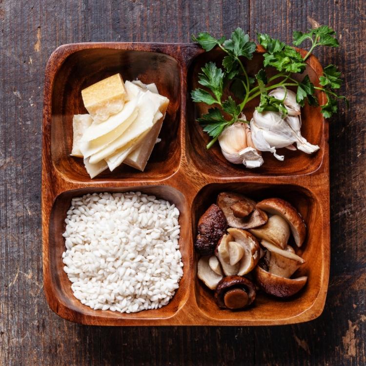 Ingredienser til sopp risotto