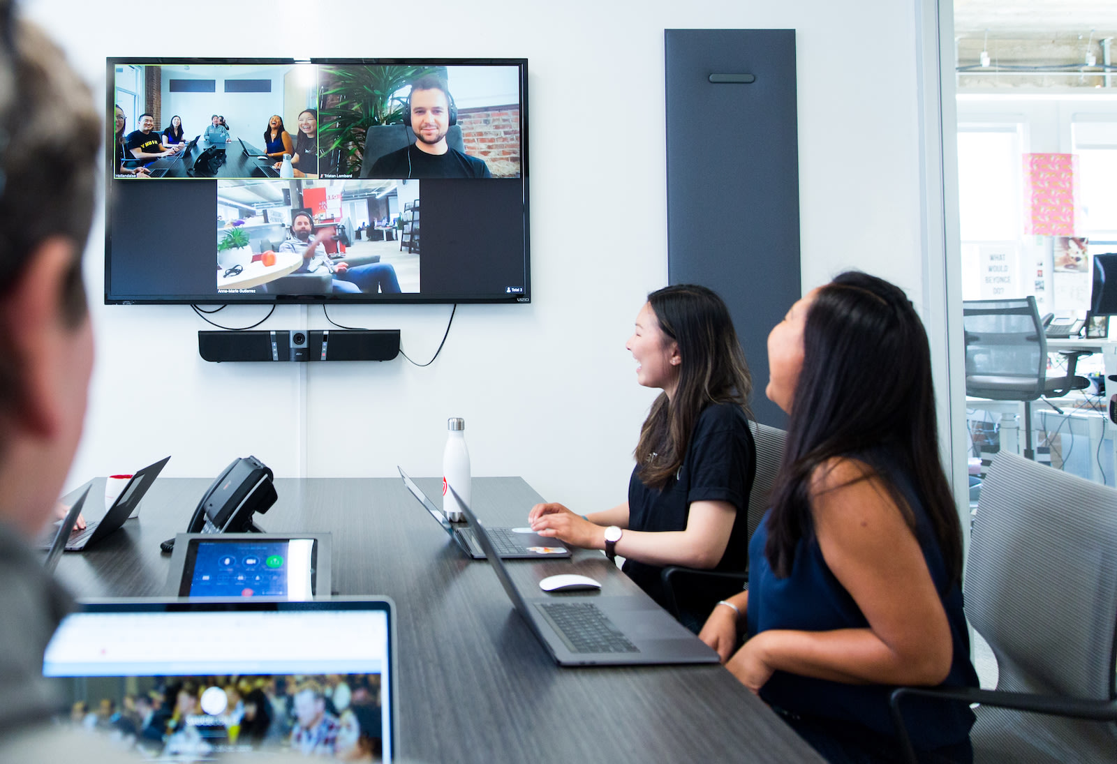photo-enterprise-video-meeting