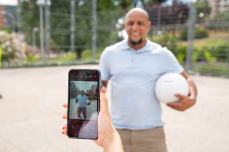 020 - Football legend Roberto Carlos and freestyler Lisa Zimouche put the new life-proof 5G smartphone, the Nokia XR20, through its toughest test.jpg