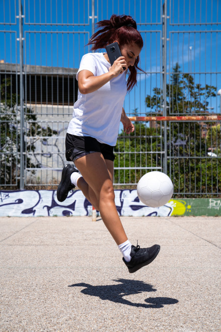 007 - Football legend Roberto Carlos and freestyler Lisa Zimouche put the new life-proof 5G smartphone, the Nokia XR20, through its toughest test.jpg