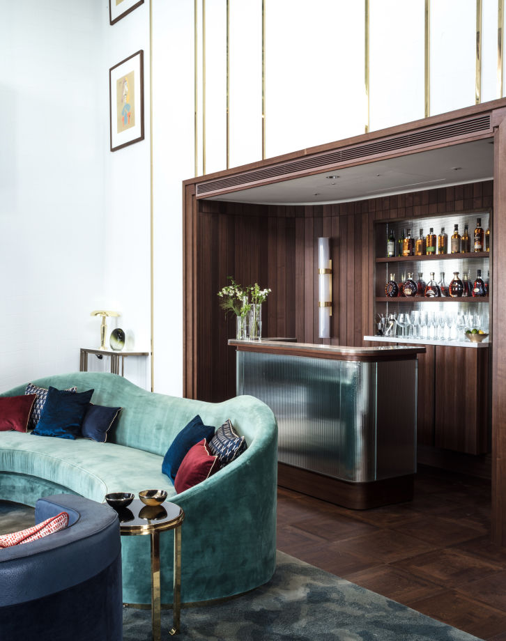 The Presidential Suite's private bar.