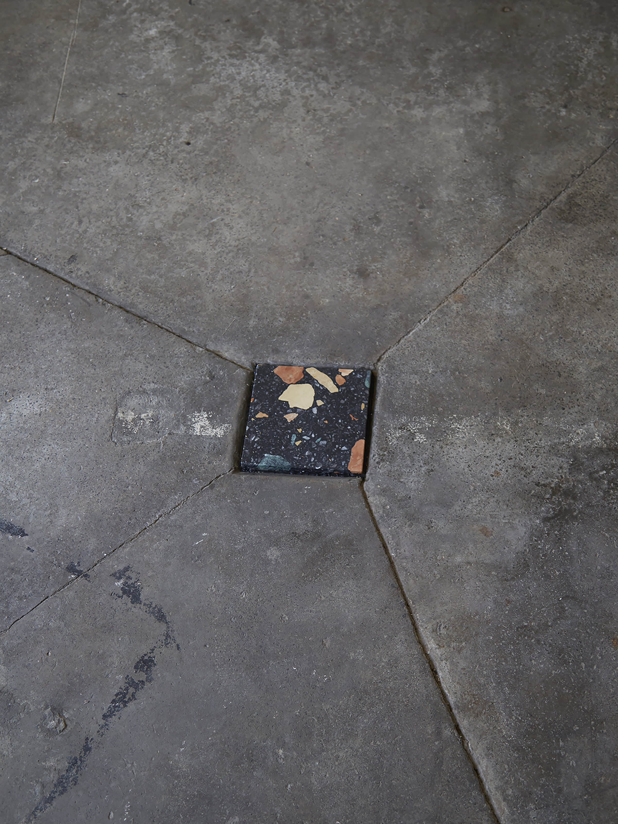 Dzek LDF15 BlackTile Floor