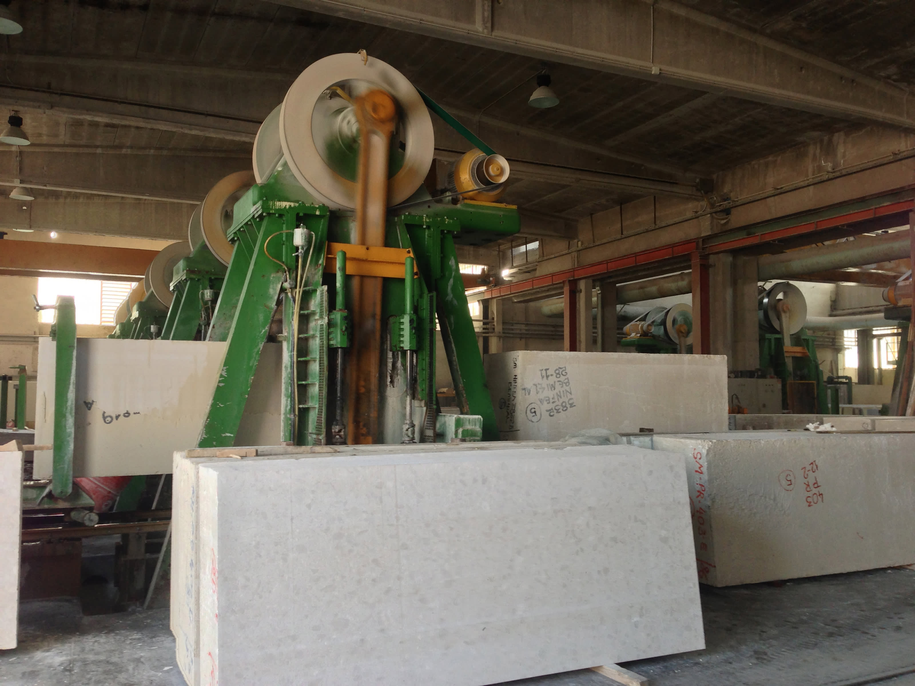 Machinery used to cut slabs.