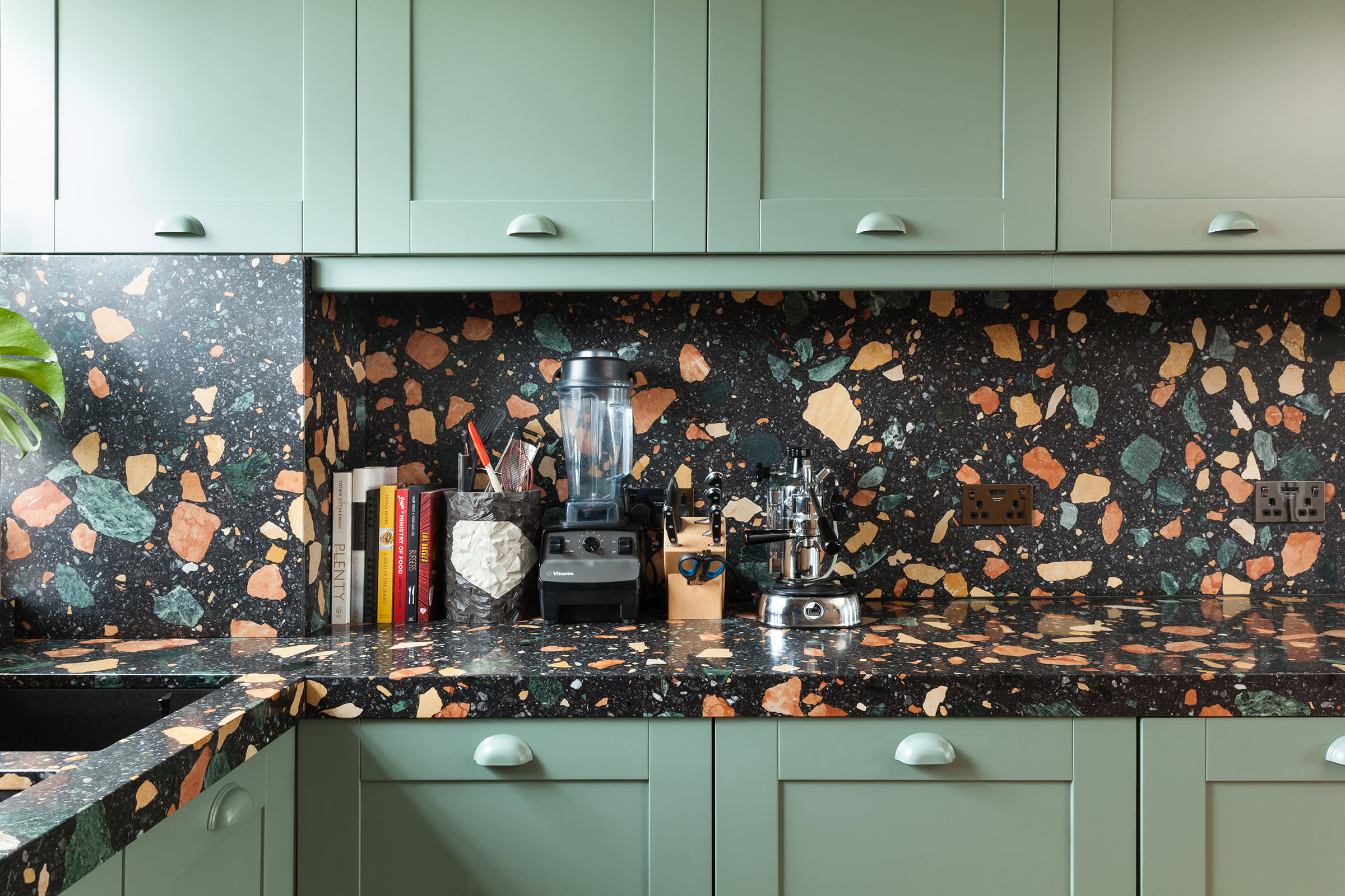 Dzek Marmoreal Black London kitchen©Angus Mill 2 2400