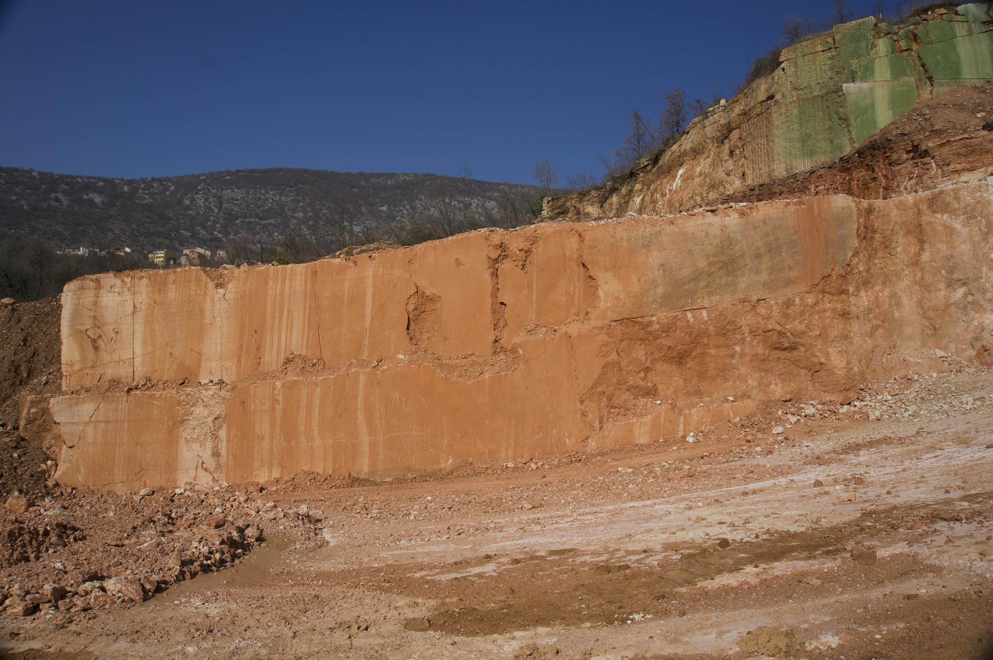 Rosso Sant'Ambrogio dimension quarry where we source the Rosso Verona aggregates.