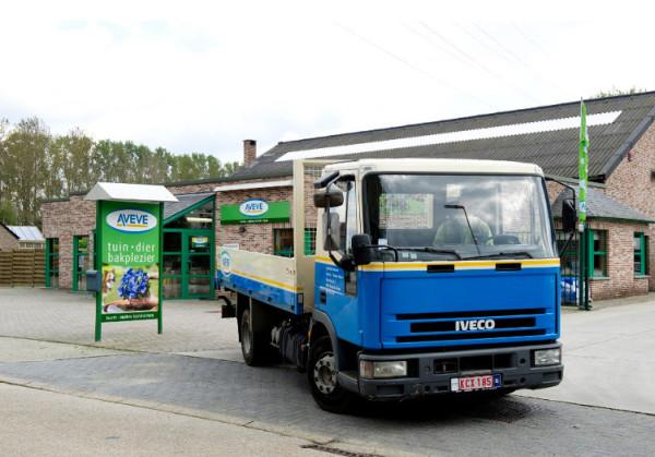 AVEVE truck leaving a AVEVE store
