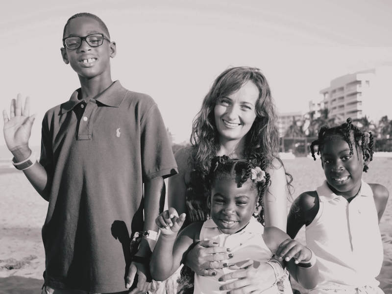 Au pair Magdalena with her host kids