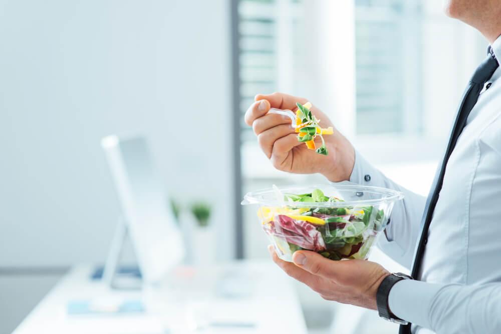 Mittagessen Salatbowl