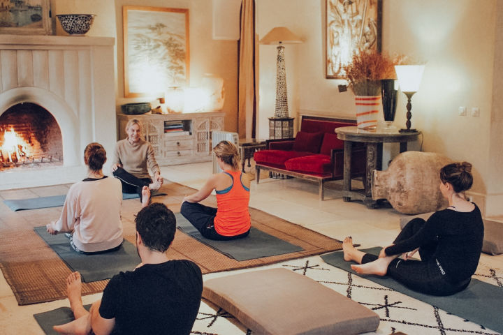 Jnane-Tamsna-yoga-retreat-indoor