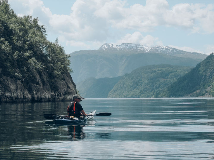 Paddling through the fjord