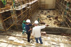 General contractor overseeing job site