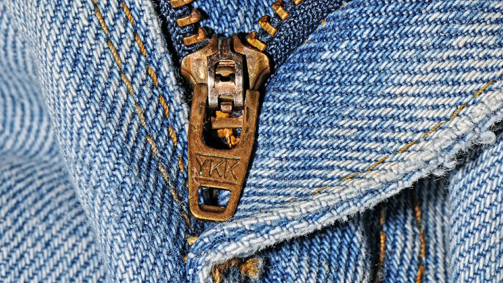Simple_tips_for_diy_clothes_repairs