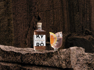 KDC_Kyr%C3%B6-Pink-Gin_Serve_500ml_HORIZONTAL-CENTERED-scaled.jpg