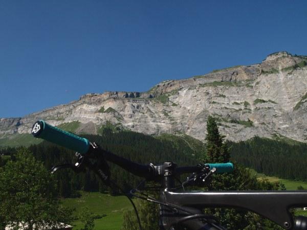 On the E-Mountainbike to the World Heritage Site Tectonic Arena Sardona
