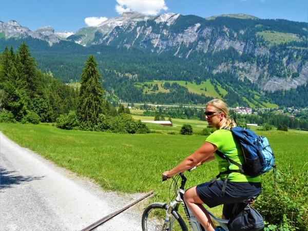 E-Bike-Tour: Around the Rhine Gorge with GeoGuide