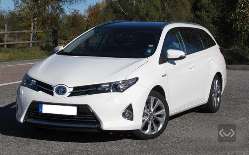 Begagnade Toyota Auris till salu - Köp på auktion hos KVD  c55cd479374d5