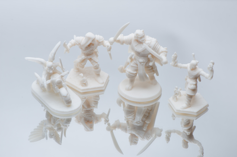 3d printed miniature figurines on standard resin