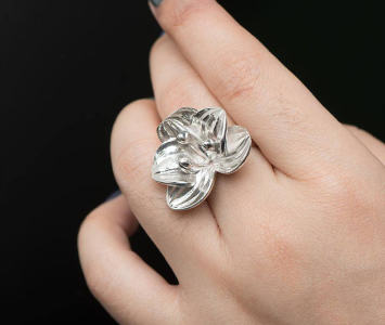 Metal plated flower ring