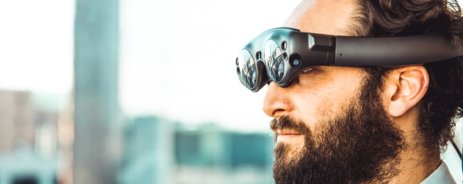 How Fintech Companies Can Leverage Augmented Reality Solutions