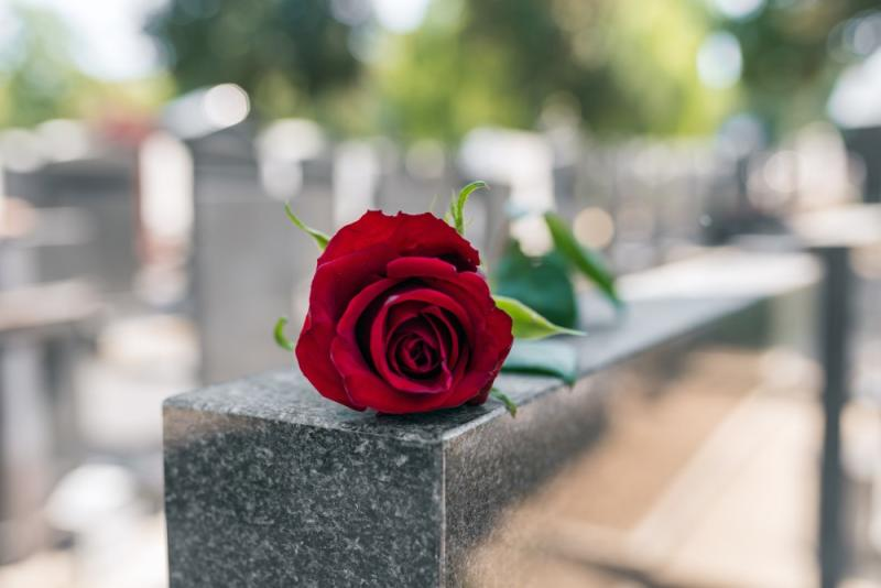 Pay for a Funeral With Life Insurance