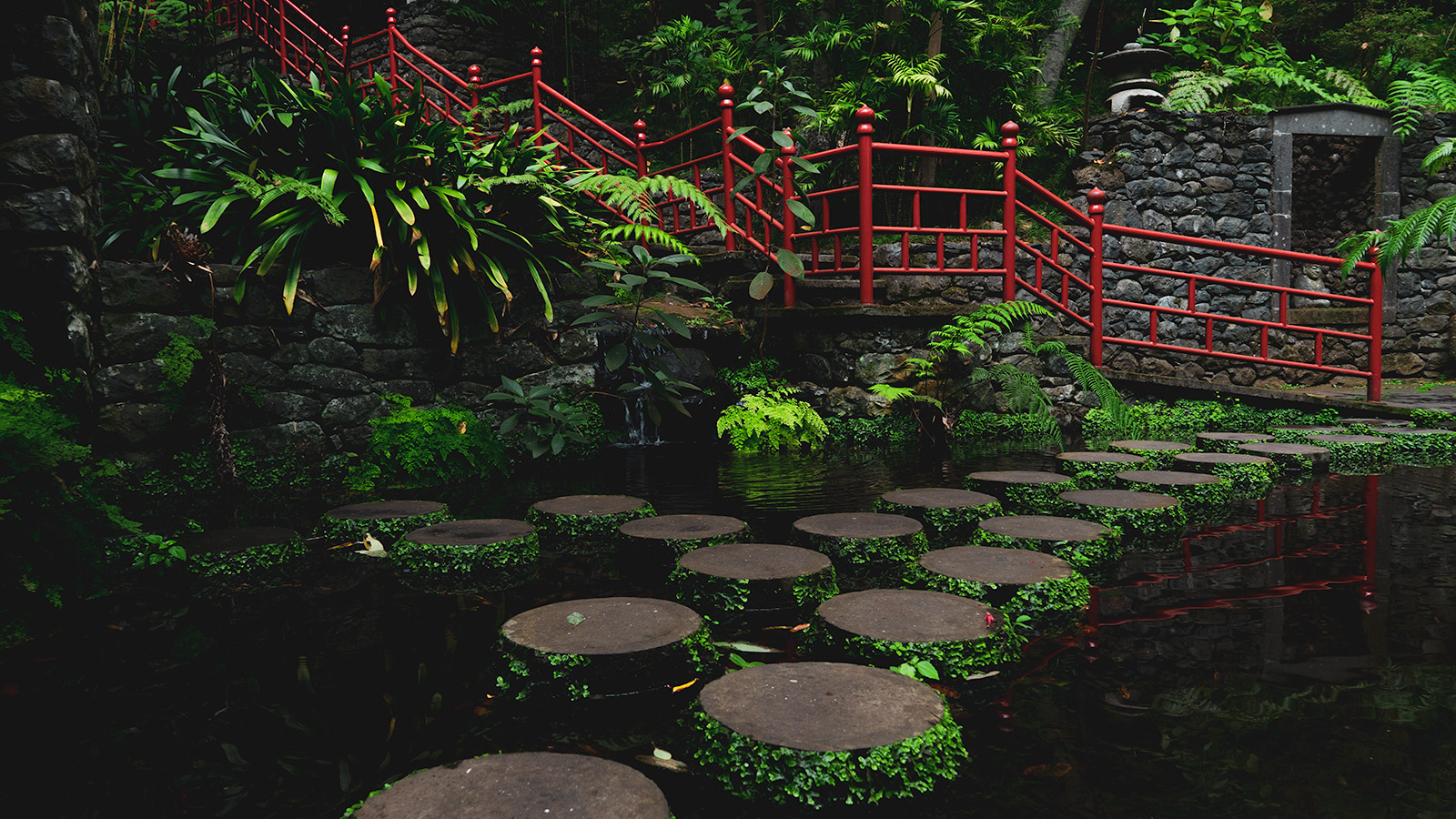 Stepping stones at Monte Palace Tropical Garden
